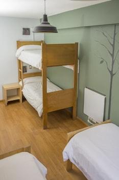 Shared Dormitory, Private Bathroom
