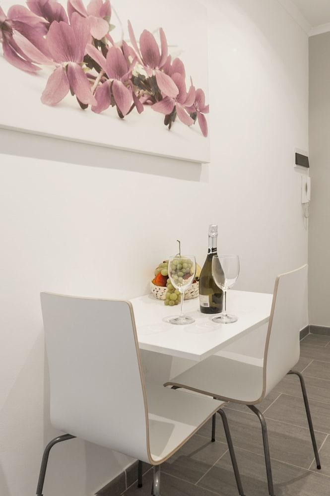 Dining Photos