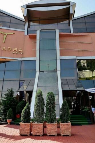 . Hotel Tecadra