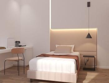 Single Room (Small)