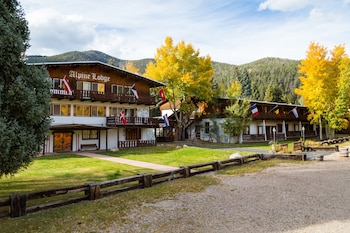 Hotel - Alpine Lodge