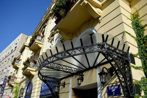 . Belgrade City Hotel