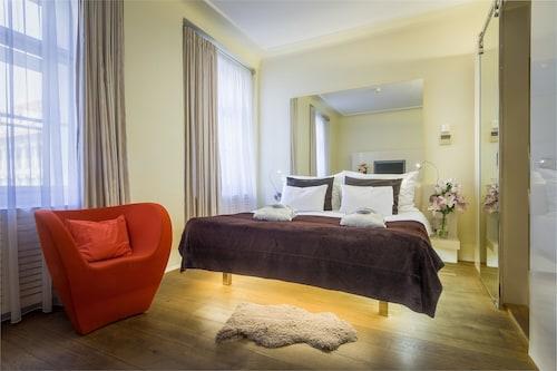 Hotel Three Storks, Praha 6
