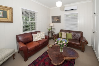 Vacy Hall Toowoomba's Grand Boutique Hotel - Living Room  - #0