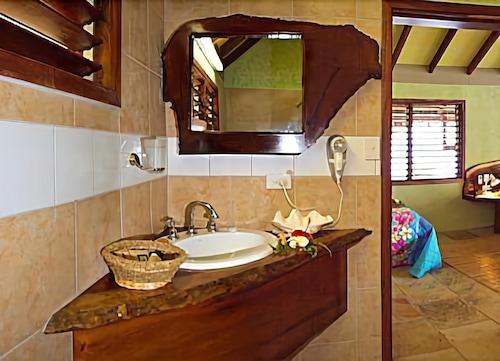 Bokissa Private Island Resort, Canal - Fanafo