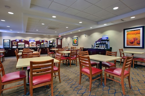 Holiday Inn Express Hotel & Suites Kincardine - Downtown, Bruce