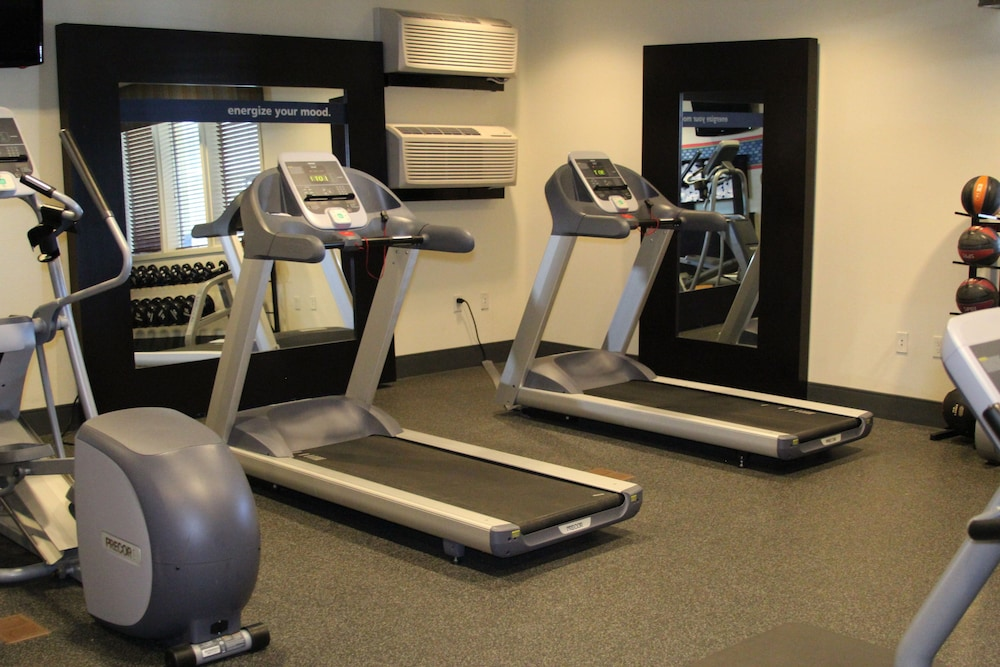 Health and Fitness : Fitness Facility 12 of 81