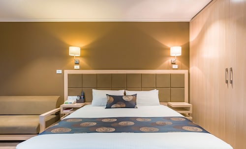 The Waverley International Hotel, Monash - Waverley West