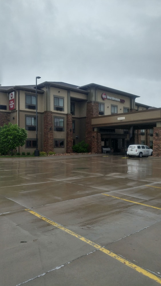 Best Western Plus Grand Island Inn & Suites