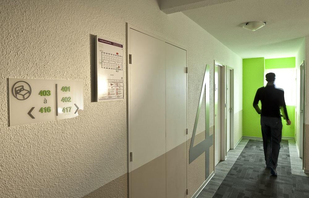 캄파닐 페르피냥 노르(Campanile Perpignan Nord) Hotel Image 14 - Hallway
