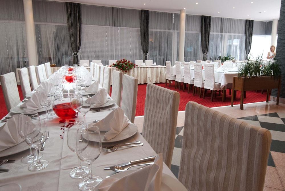 호텔 페트카(Hotel Petka) Hotel Image 20 - Banquet Hall