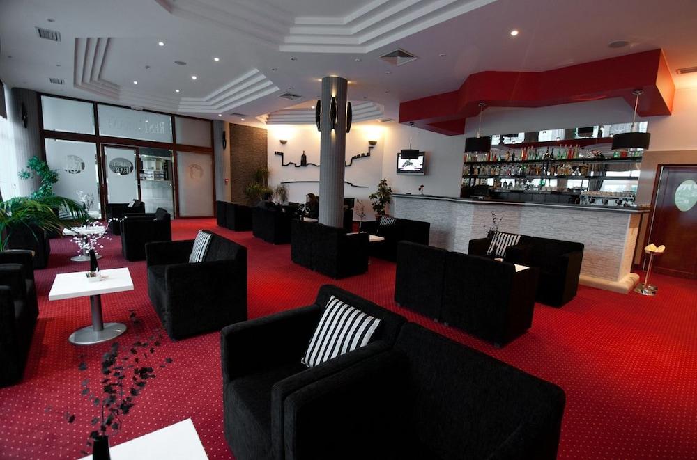 호텔 페트카(Hotel Petka) Hotel Image 27 - Hotel Bar