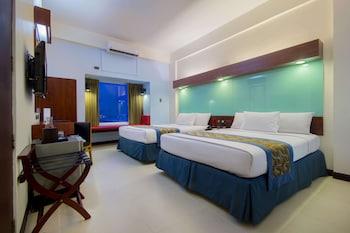 Room, 2 Queen Beds, Non Smoking (Bay View)