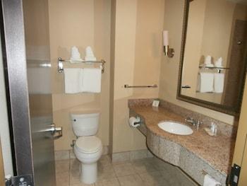 Comfort Inn & Suites Fort Gordon - Bathroom  - #0