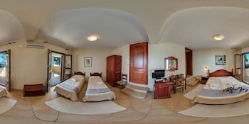 Classic Double Room, Sea View