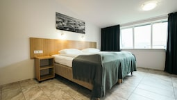 Superior Double Or Twin Room With Hot Tub Access