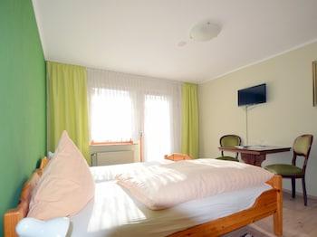 Standard Tek Büyük Yataklı Oda, Banyolu/duşlu, Bahçe Manzaralı (mit Balkon)