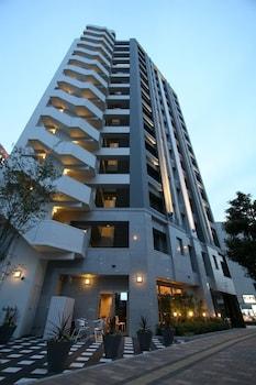 URBAIN HIROSHIMA EXECUTIVE Front of Property - Evening/Night