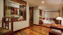 Classic Room, 1 Queen Bed, City View, Tower