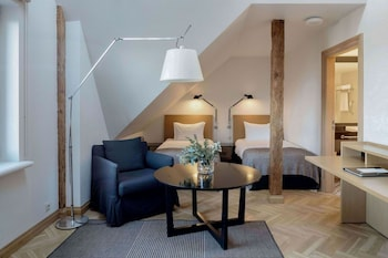 Studio Apartment Two Single Beds