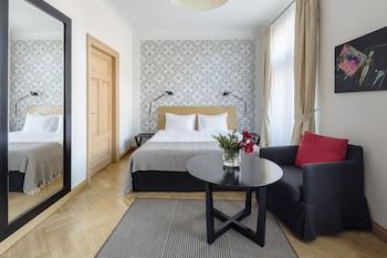 Studio Apartment Double Bed