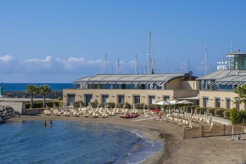 __{offers.Best_flights}__ Hotel Riviera dei Fiori