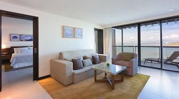 Deluxe Suite, 1 Bedroom, Balcony, Sea View