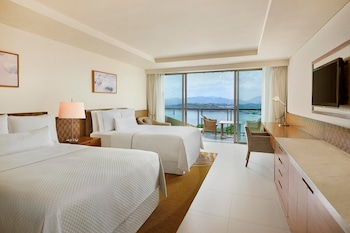 Deluxe Room, 2 Double Beds, Sea View
