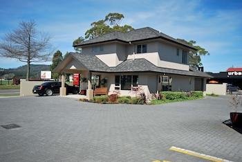 Hotel - Executive on Fenton