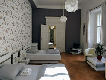 Apartment, 3 Bedrooms, Courtyard Area