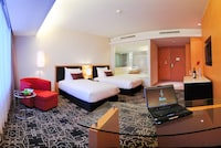 Deluxe Room, Business Lounge Access