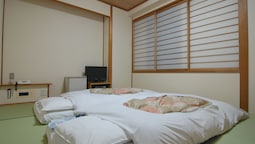 Japanese Room, 6 Tatami Mats (1~2 People)