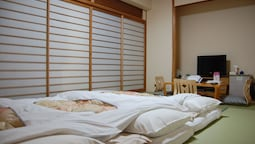 Japanese Room, 8 Tatami Mats (2~3 People)