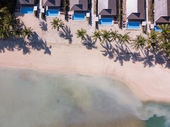 Hotel - First Landing Beach Resort and Villas