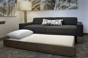 Standard Studio Suite, 1 King Bed with Sofa bed
