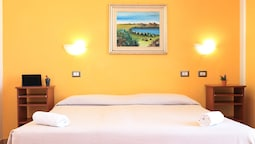 Classic Double Or Twin Room, 1 Bedroom, Partial Sea View