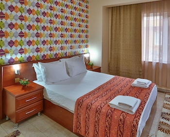 Family Suite, 1 Double Bed with Sofa bed, Garden View