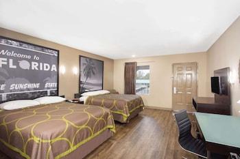 西彭薩科拉溫德姆速 8 飯店 Super 8 by Wyndham Pensacola West