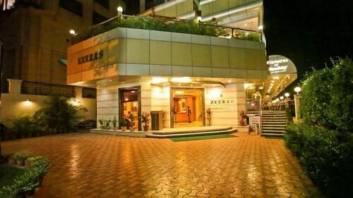 . Hotel Zeeras
