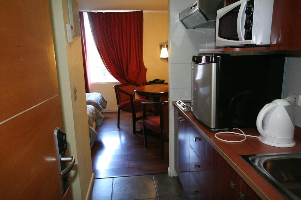 BMB 스위츠 아파트먼츠(BMB Suites Apartments) Hotel Image 17 - Guestroom