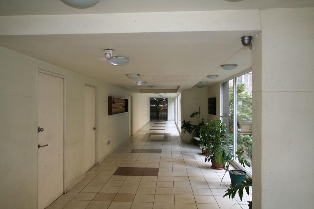 BMB 스위츠 아파트먼츠(BMB Suites Apartments) Hotel Image 24 - Hallway