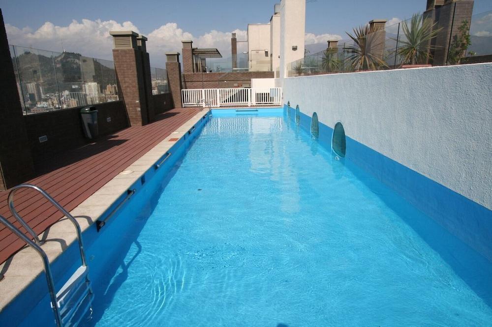 BMB 스위츠 아파트먼츠(BMB Suites Apartments) Hotel Image 19 - Outdoor Pool