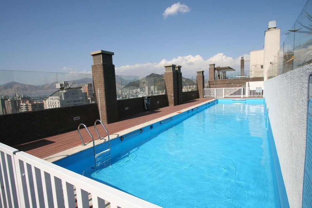 BMB 스위츠 아파트먼츠(BMB Suites Apartments) Hotel Image 18 - Outdoor Pool