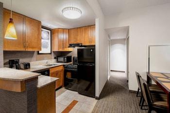 Suite, 2 Bedrooms, City View, Corner