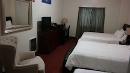 Deluxe Room, 1 Queen Bed, Accessible, Kitchenette (large)