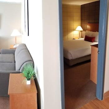 Executive Suite, 1 Double Bed (Full Kitchen 2 Queen Beds)