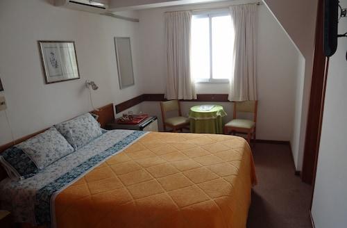 Hotel Argentina, n.a348
