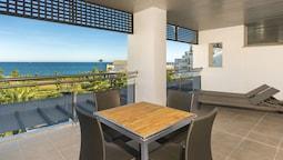 Exclusive Apartment, Sea View