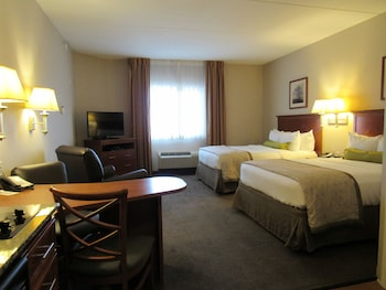 Studio Suite, 2 Queen Beds, Accessible, Non Smoking (Hearing, Transfer Shower)
