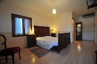 Superior Double or Twin Room, Private Bathroom, Canal View